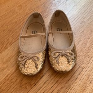 Gap toddler gold sparkly shoes